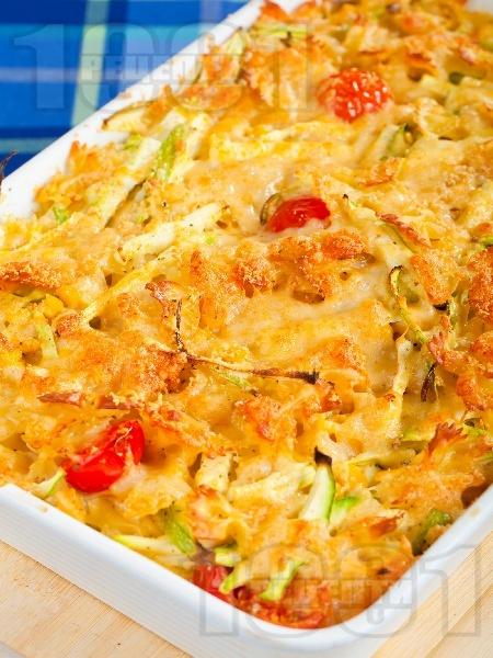 Фарфале паста с чери домати, царевица и тиквички на фурна - снимка на рецептата